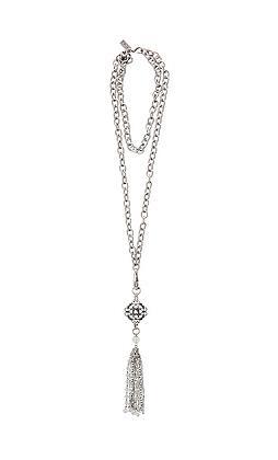 Splendid Silver Tone Necklace